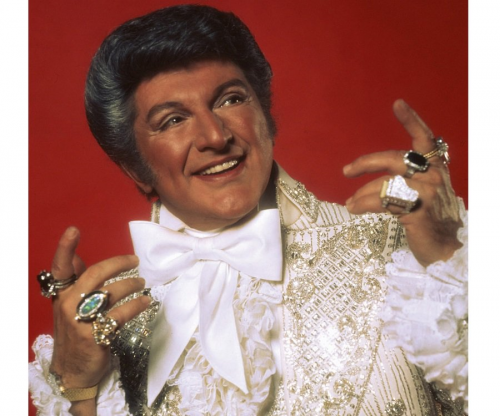 normal_liberace.png